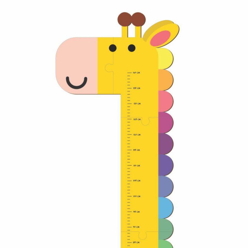 Régua de Altura Girafinha em foco