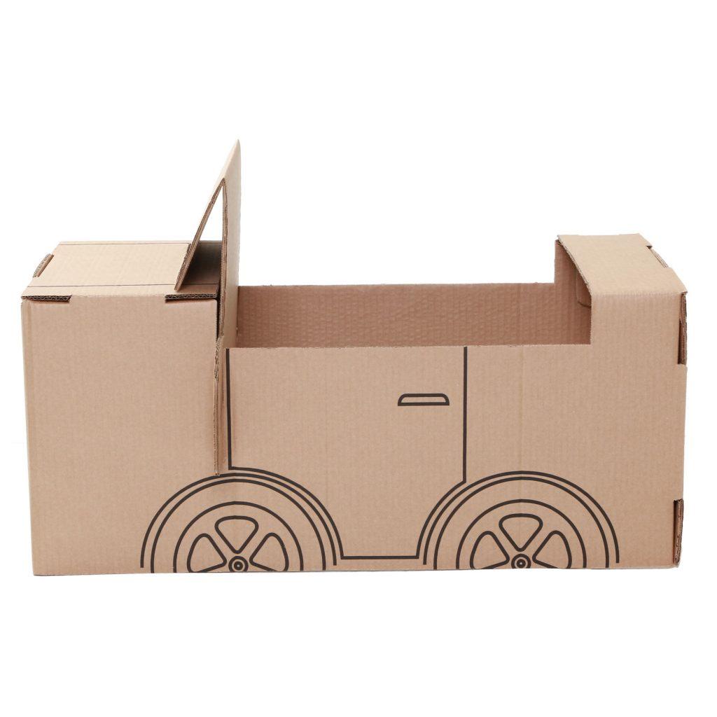 Lateral do carro de papelão