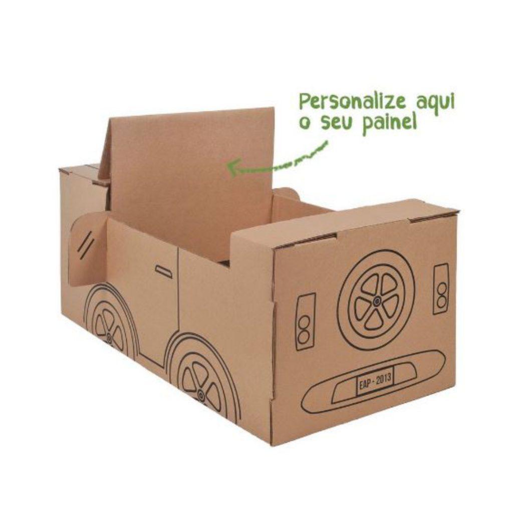 Personalize o painel do carro de papelão