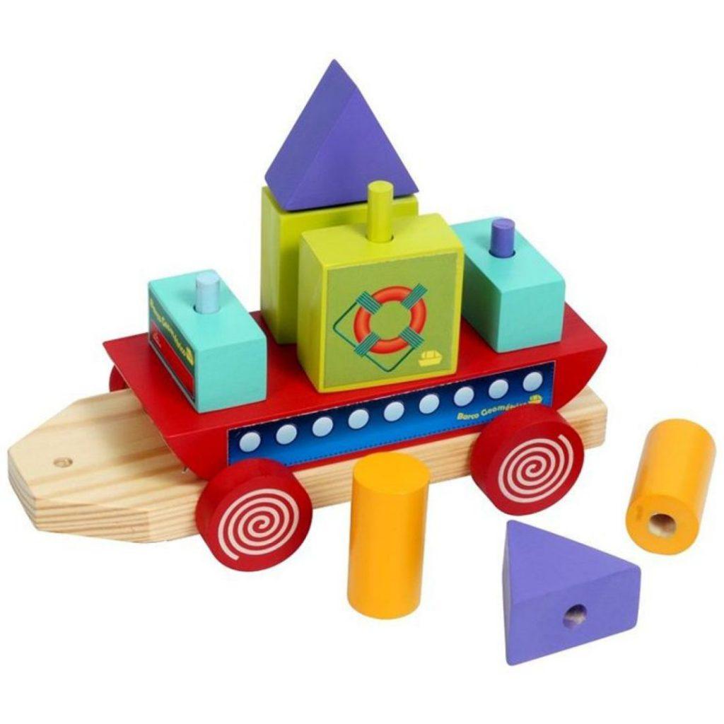 Barco geométrico de madeira