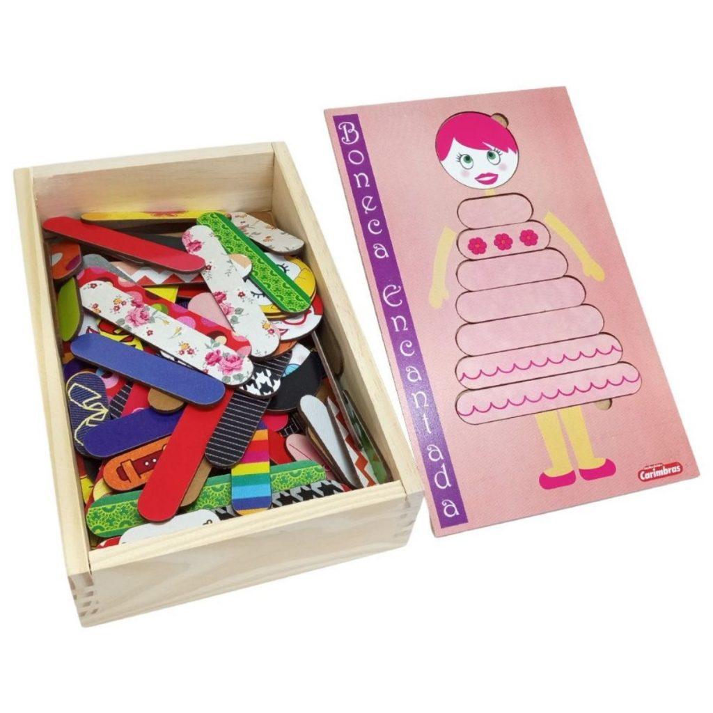 Caixa com Peças e encaixes da Boneca encantada em madeira