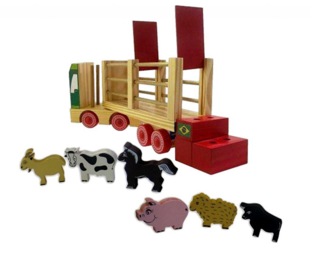 caminhão fazendinha com os animais