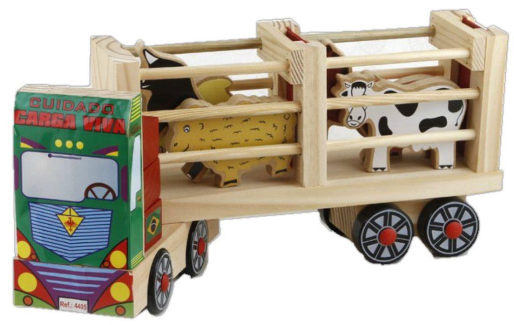 caminhão fazendinha transportando animais
