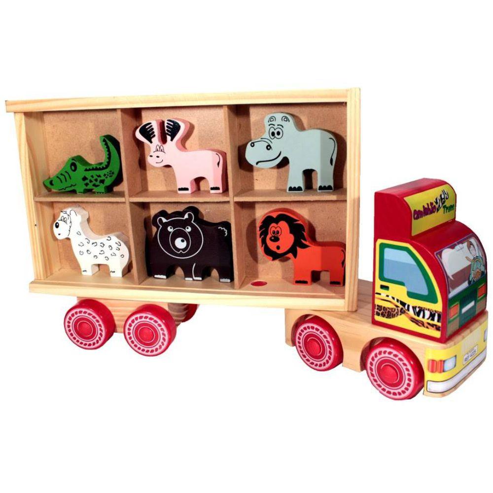 caminhão zootrans mostrando os animais na carreta