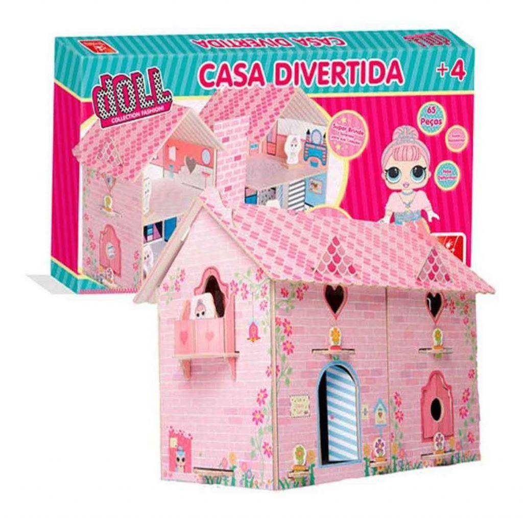 Embalagem e casa divertida doll montada