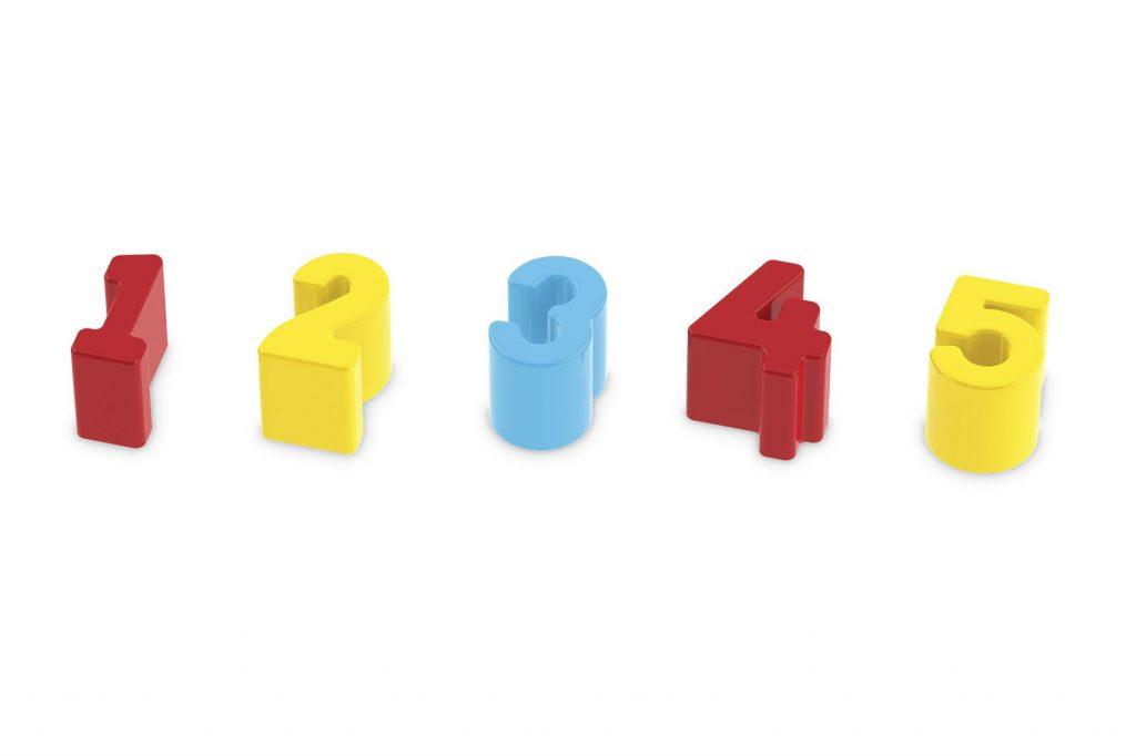 Peças do Cubo didático em madeira com números plásticos