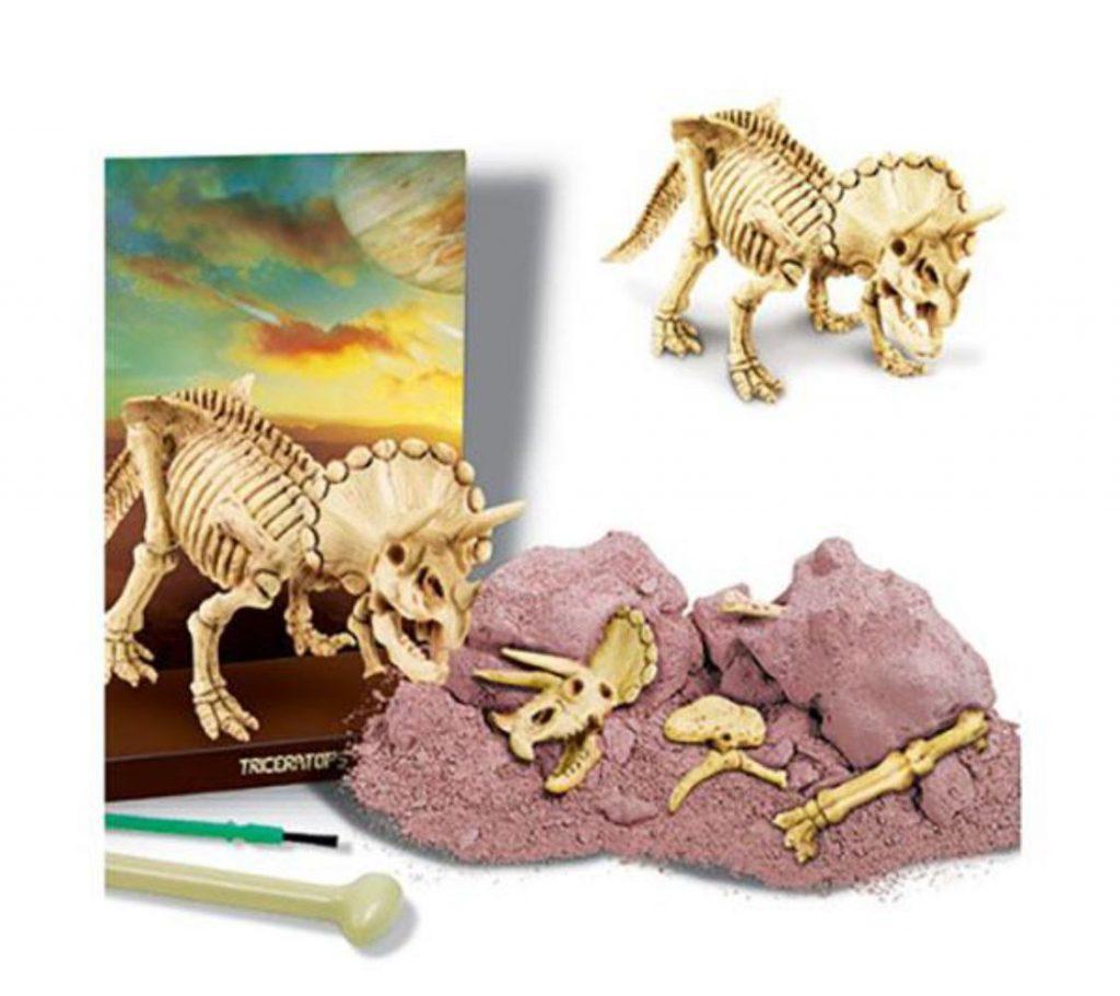 Peças do kit de escavação de dinossauro tricerátopo