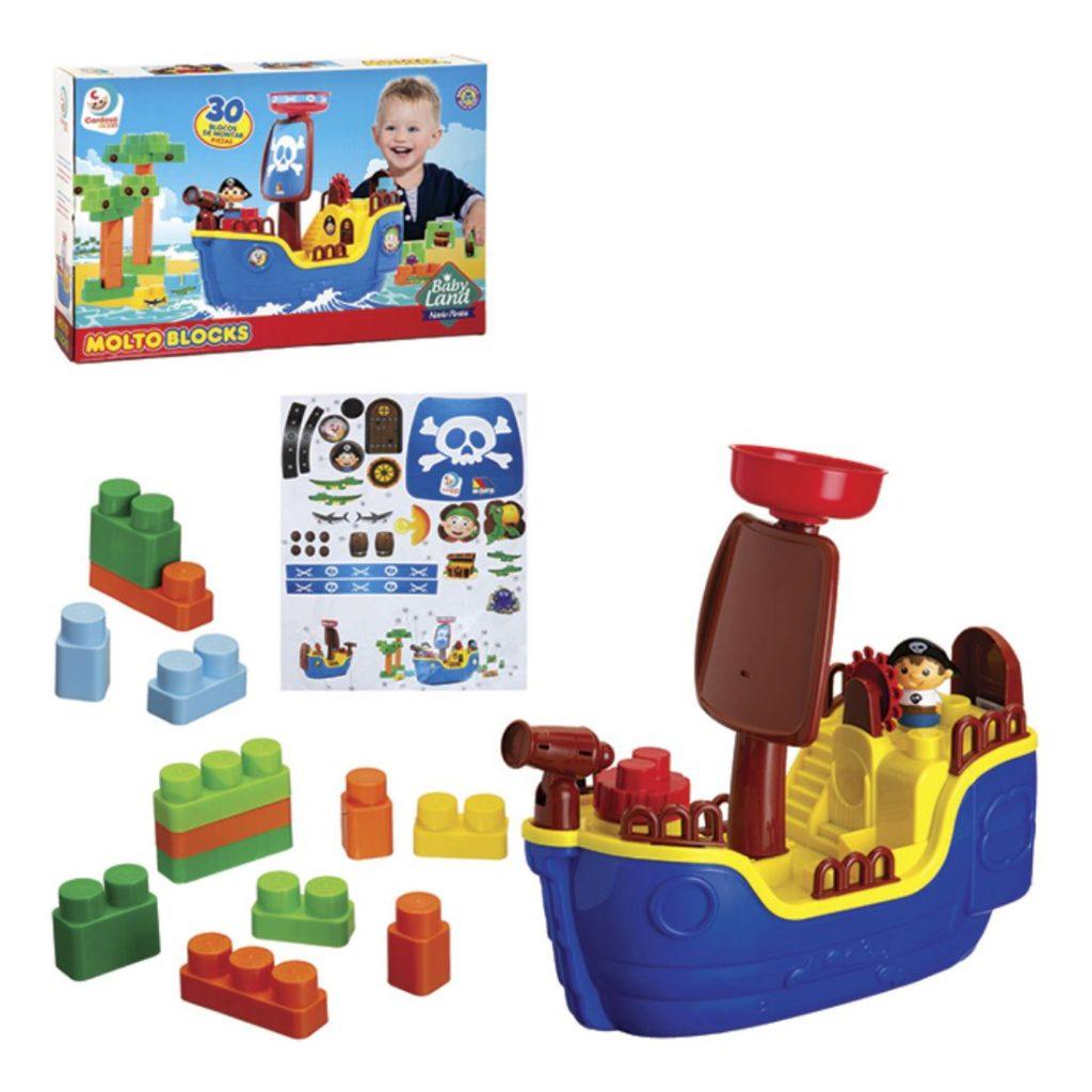 Navio Pirata com as peças montadas e embalagem