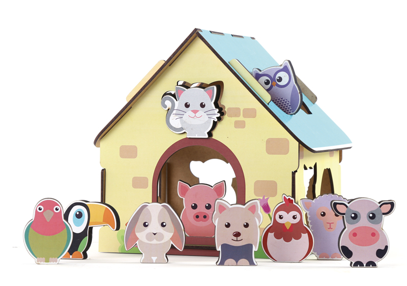 Casinha do Brinquedo Educativo Passa Figuras Animais da Fazenda montada com seus animaizinhos