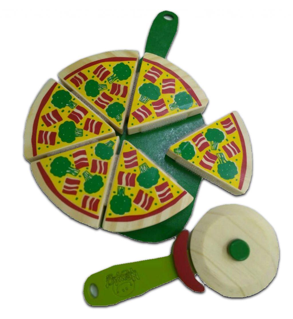 Pizza com corte em madeira