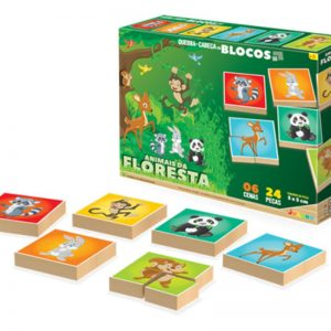 Embalagem e peças do quebra-cabeça em blocos da floresta