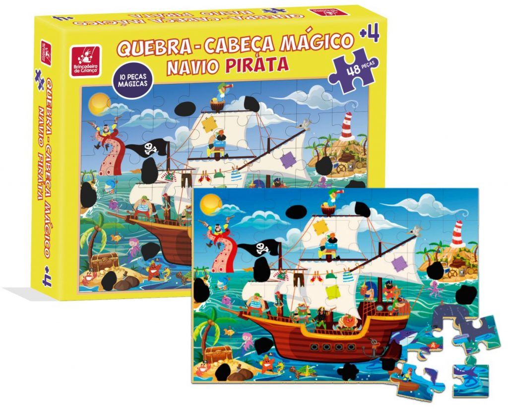 Embalagem e quebra-cabeça mágico navio pirata montado